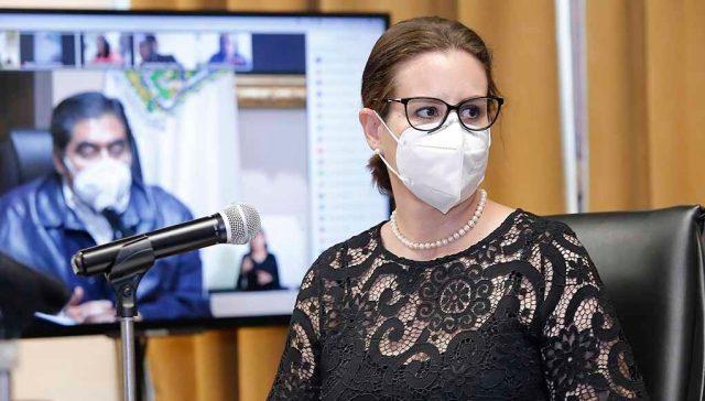La secretaria Ana Lucía Hill Mayoral informó que fue detectada una grieta en el área del hundimiento, que hasta el momento no ha presentado avances o algún otro comportamiento