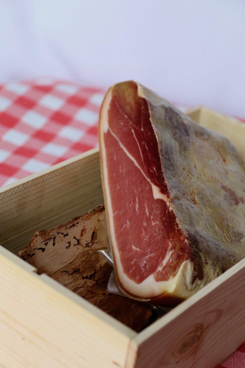 Halve gedroogde ham uit Portugal