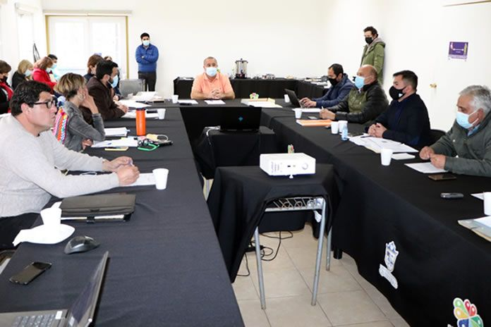 En la sesión del Concejo Municipal de Quintero realizada ayer miércoles 21 de julio, se aprobó el decreto que deroga decreto que restringía el horario de atención del comercio en la comuna por pandemia.