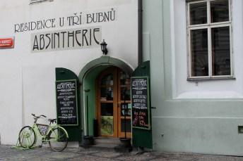 Une des nombreuses boutiques vendant de l'absinthe