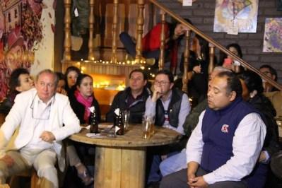 Imagen de la fan page de Facebook de Conversando con los candidatos.