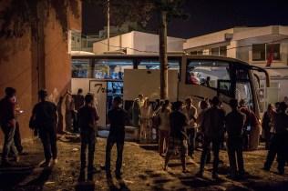 Todos los martes sale un autobús desde Alhucemas hasta Casablanca para que los familiares de las personas detenidas en las protestas puedan visitarles. El autobús tarda 12 horas en llegar hasta allí.