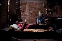Juan Enrique Hernández cuenta cómo a su familia (Dilson y Noris María) un burro les salvo la vida. Un 18 de abril de 2003, un Viernes Santo, a las 10:30 de la mañana, una bomba caída del cielo los sacó del letargo de la rutina diaria. Fue el Ejército. Según ellos, fue porque estaban cerca las FARC.