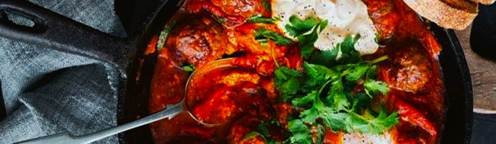 Spicy meatballs with chilli, tomato and capsicum