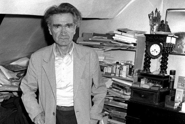 Emil Cioran le 10 juillet 1981 dans sa chambre à Paris.
