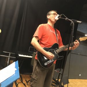 Phil chante aussi