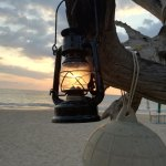 Laterne am Strand in Thailand