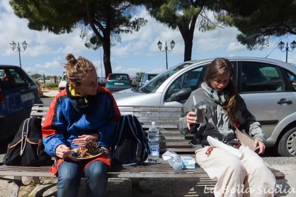 Caltagirone piknik na ławce
