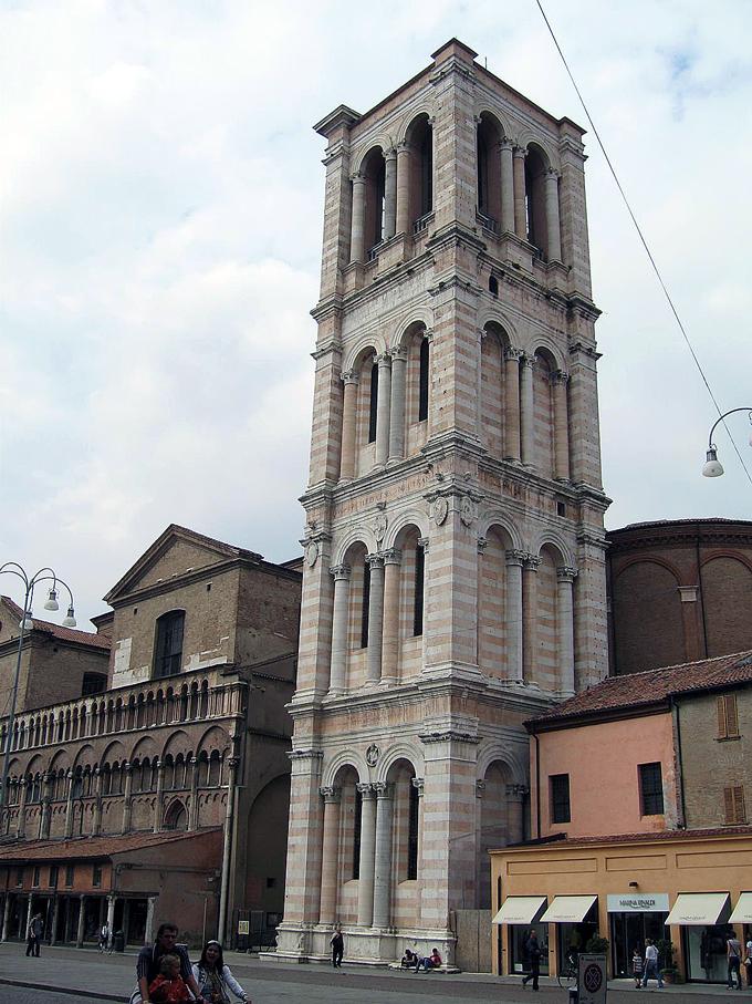Campanile and Duomo, Ferrara Italy | labellasorella.com
