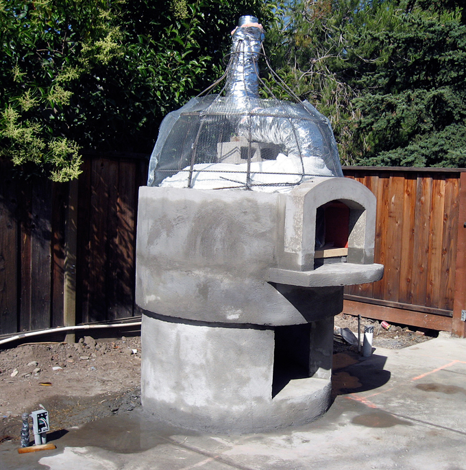 Building the pizza oven |labellasorella.com