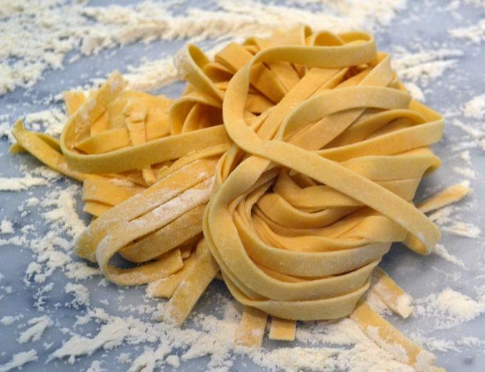 Pasta Fresh Fettuccine | labellasorella.com