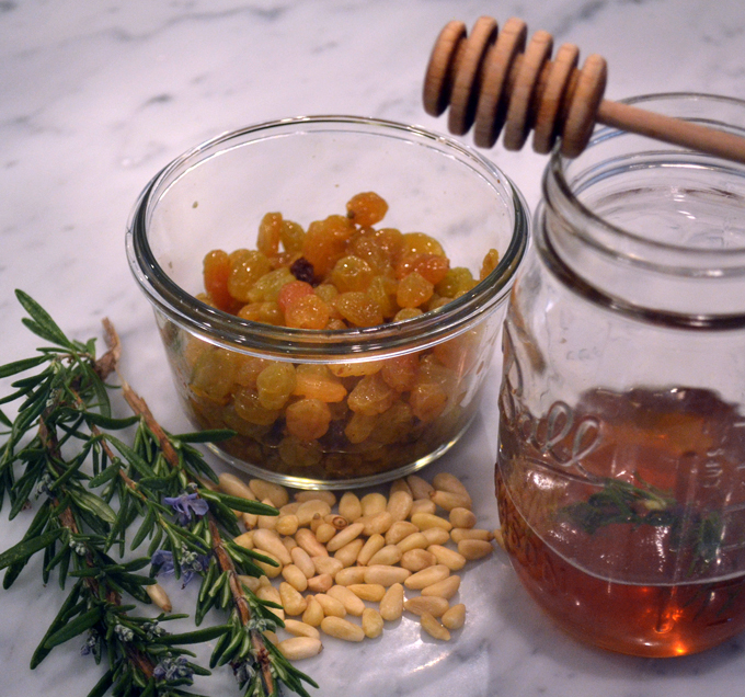 Pumpkin rosemary cake honey sauce | labellasorella.com