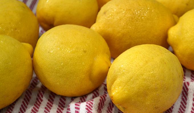 Lemons scrubbed   labellasorella.com