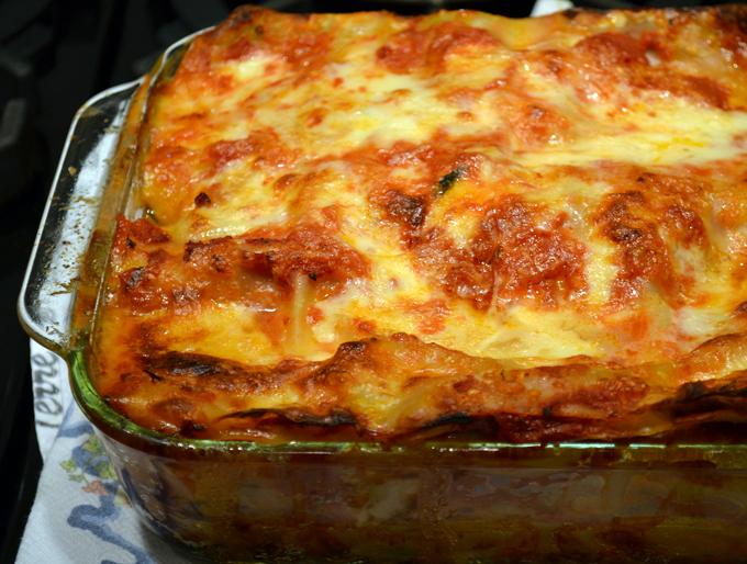 Eggplant lasagna with smoked mozzarella baked | labellasorella.com