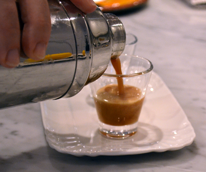 And the Caffe Shakerato is ready. | labellasorella.com
