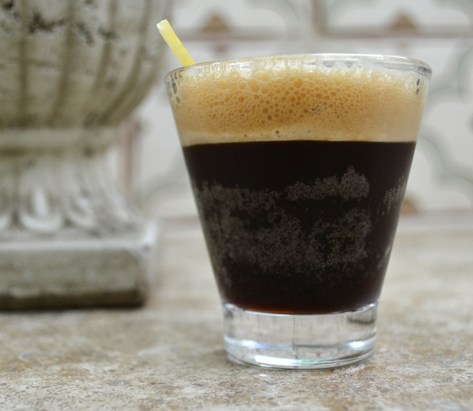 Caffe Shakerato, perfect on a summer day | labellasorella.com