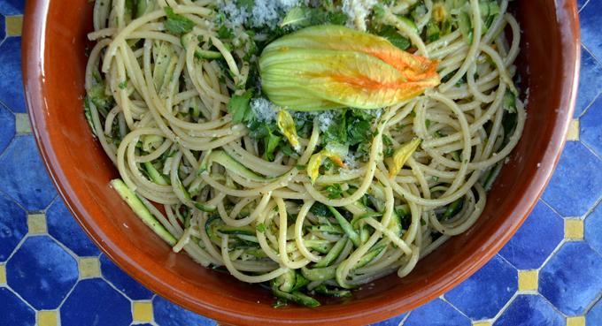 Bucatini with Zucchini, Lemon & Pecorino, fresh and light | labellasorella.com