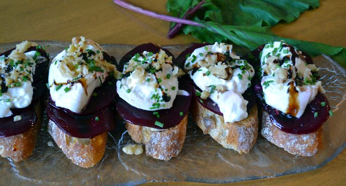 Beet & Burrata Bruschetta drizzled with Balsamico | labellasorella.com