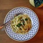 Spaghetti with Oil, Garlic & Chili – Spaghetti Aglio, Olio, & Peperoncino