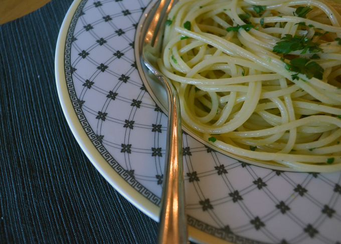 Spaghetti with Oil, Garlic & Calabrian Chili | labellasorella.com