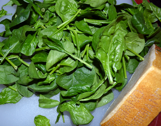 Spinach & Parmigiano for the Italian Egg Drop Soup | labellasorella.com