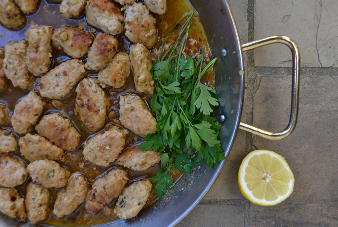 Chicken Meatballs in White Wine Sauce | labellasorella.com