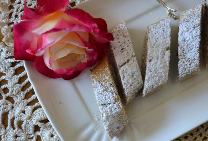 Lavender & Chocolate Biscotti | labellasorella.com
