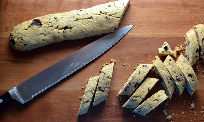Slicing the cooled biscotti | labellasorella.com