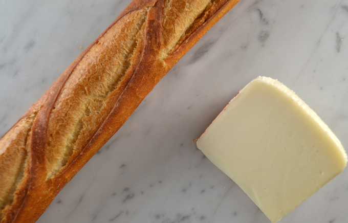 The essentials, Brigante from Sardinia and a baguette | labellasorella.com