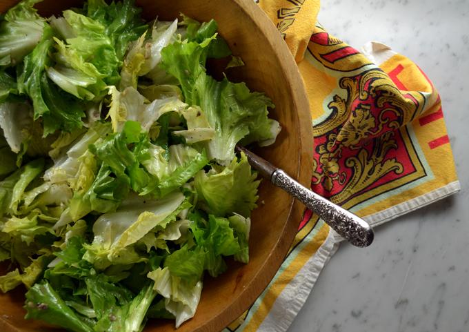 Escarole Salad | labellasorella.com