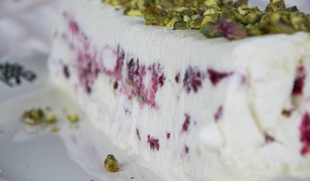 DIY - Frambozen ijstaart met pistachenoten   Label of Suze