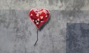 banksy-bandate-heart-new-york-0