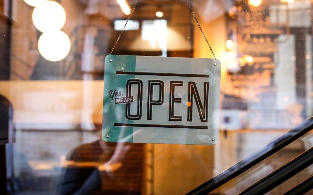 Abrir uma franquia é ideal para quem não tem muito experiência de gestão e precisa contar com suporte constante. Descubra outras vantagens!
