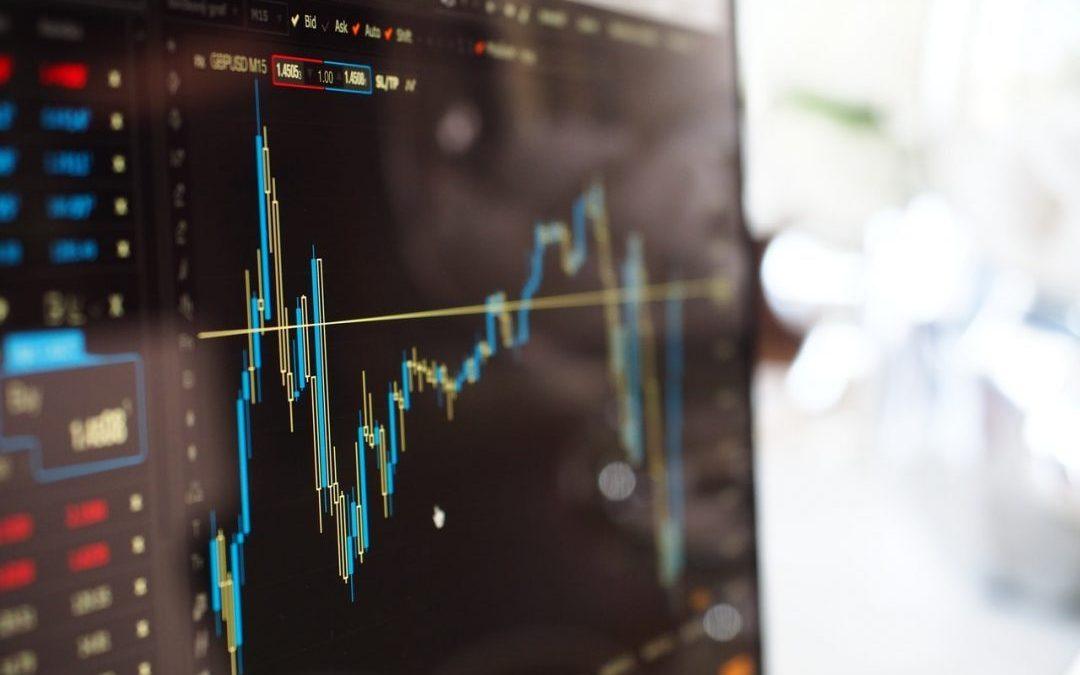 Pensando em investir? Veja 4 dicas para operar no mercado financeiro