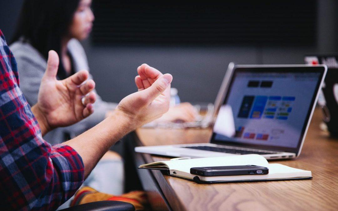 Descubra como elaborar o planejamento estratégico da sua empresa e determinar as metas e os objetivos de forma prática e assertiva.