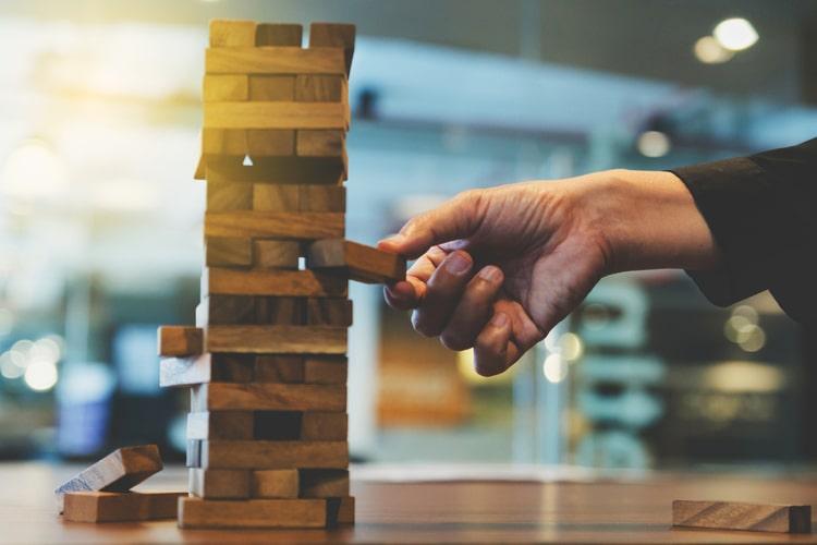 A gestão do risco de crédito é um processo pelo qual o credor põe em prática ações para mitigar o risco de não recebimento do crédito concedido ao tomador