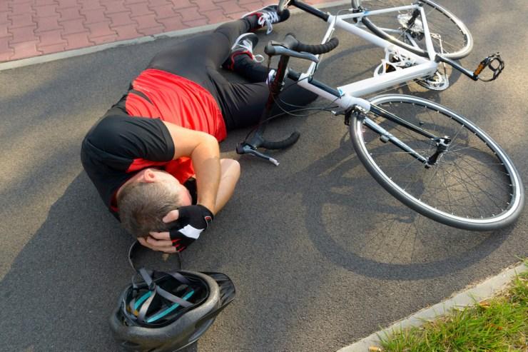 Resultado de imagen de brazos en cruz caida bici