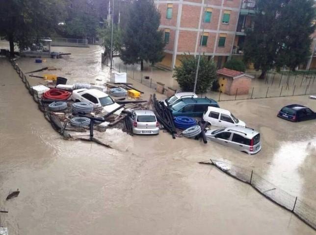 Alluvione a Parma, telefoni bloccati in tutta l'Emilia-Romagna