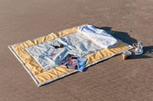 Plaid de plage Les cabanes_Fond jaune_Tour mastic_05 (Copier)
