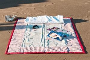 Plaid de plage Les cabanes_tour rouge_05 (Copier)