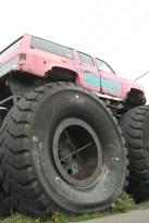En 2011, sur le bord de la 20, existait le légendaire Madrid, restaurent populaire avec ses camions Big Foot et ses dinosaures grandeur nature!