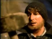 Blake trouve le marteau. Image extraite de Le retour de l'incroyable Hulk.