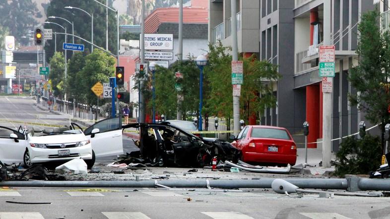 """Hombre que murió en carro autónomo usaba """"piloto automático"""""""