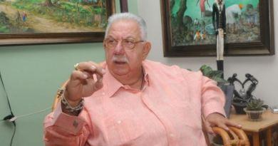 José Enrique Sued anuncia que se debe reformar lo que sea para la reelección de Danilo