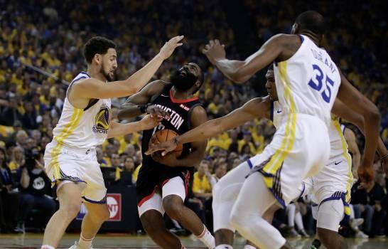Klay Thompson encontró su ritmo en triunfo de los Warriors