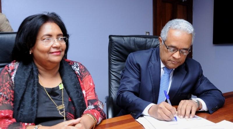 Ministro de Salud realiza su traspaso al Senasa como establece Ley 87-01