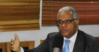 Ministro de Salud llama a población a exigir sus derechos dentro de Seguridad Social
