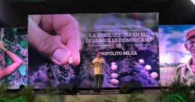 Mejía propone medidas para desarrollar el campo
