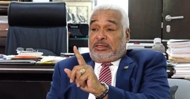 Camacho dice es atrevimiento de Bob Menéndez entrometerse en asuntos dominicanos