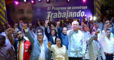 Reeleccionistas realizan hoy varios actos a sabiendas de que la Constitución prohibe la reelección